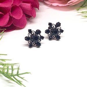 Vintage Jewelry - ⚜️VINTAGE Black Rhinestone Filigree Earrings